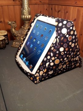 ipad_pyramid_pillow